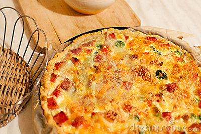 Quiche with broccoli