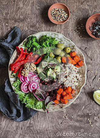 Free Quinoa And Veggies Bowl. Healthy, Vegetarian, Diet Food Stock Photo - 82908000