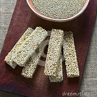 Free Quinoa Cereal Bars Royalty Free Stock Photo - 50111625