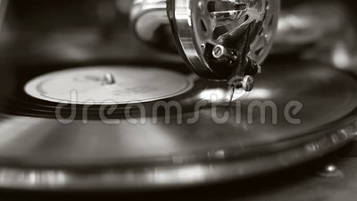 Rétro phonographe de vieux film noir et blanc Aiguille de plaque tournante de vintage grande, vinyle banque de vidéos