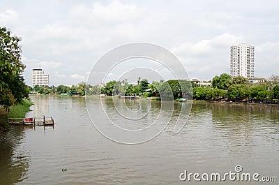 Río del silbido de bala, Chiang Mai