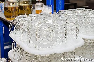 Rack of beers mug
