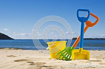 Rack spade and bucket