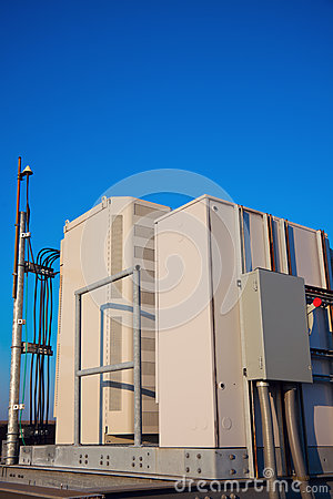Free Radio Cabinet On The Cell Tower Site Royalty Free Stock Images - 26918669