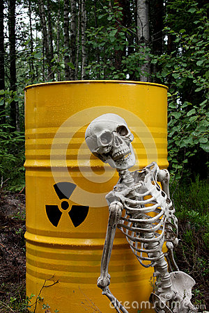 Free Radioactive Waste And Skeleton Royalty Free Stock Image - 26010656