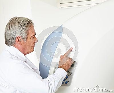 Radiologist at MRI