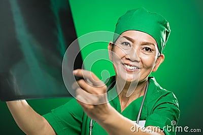Radiologue mûr