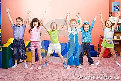 Radośni dzieciaki