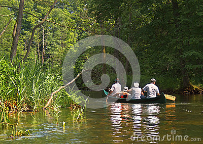 Rafting στον ποταμό Krutynia Εκδοτική Φωτογραφία