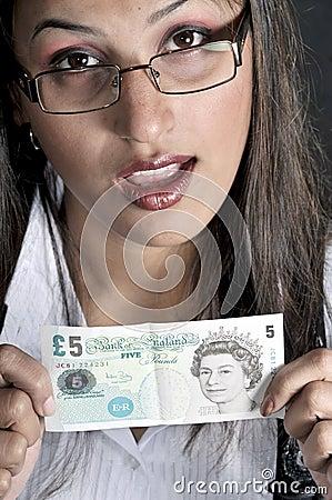 Ragazza con valuta