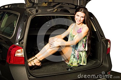 Ragazza ed automobile