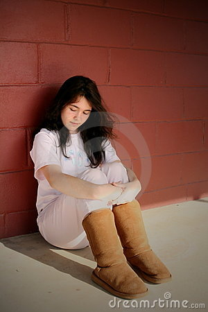 Ragazza teenager depressa triste