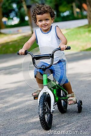 Ragazzo sulla bici