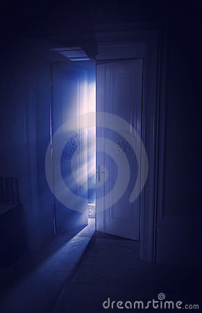Raias de luz azuis