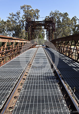 Free Railway Bridge At Tocumwal Royalty Free Stock Image - 37097226
