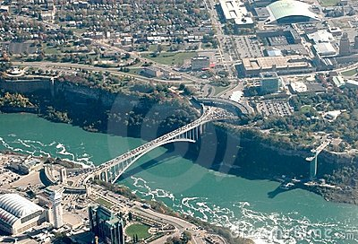Rainbow bridge Niagara Falls