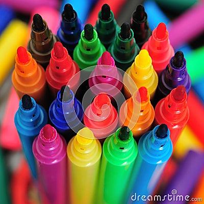 Free Rainbow Marker Pens Royalty Free Stock Image - 5984456