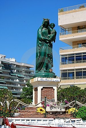Rainha do statuette dos mares, Fuengirola, Spain.