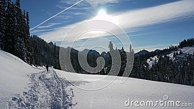 Raj snowshoeing