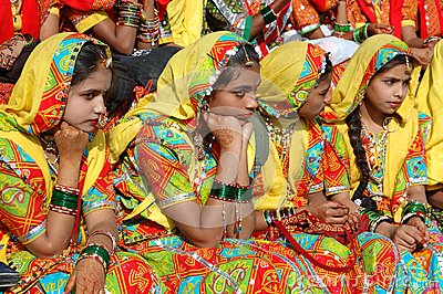Rajasthani girls are preparing to dance perfomance in Pushkar city,India Editorial Photography