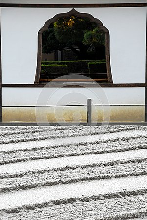 Free Raked Sand Lines And Window Royalty Free Stock Photo - 50823545