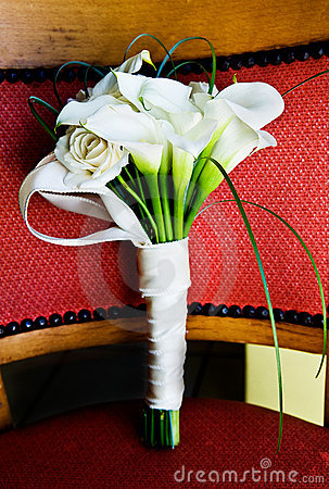 Ramalhete branco do casamento do lírio de calla