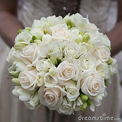 Ramo de la boda de rosas rosadas y blancas