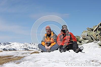 Randonneurs sur le plateau de montagne de Parang