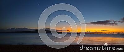 黎明全景的Rangitoto海岛