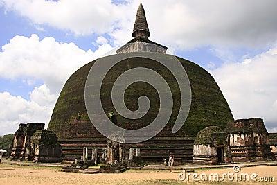 Rankot Vihara (Golden Pinnacle Dagoba), Polonnaruw