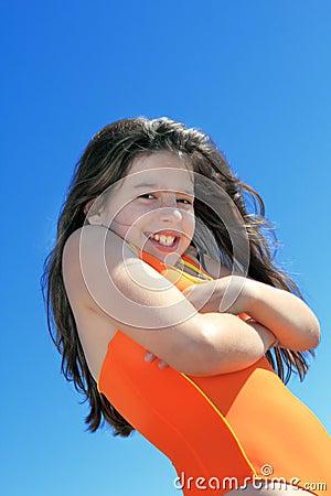 Rapariga no terno de natação