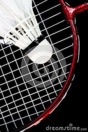 Raquete e passarinho de badminton