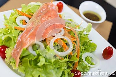 Rare salmon salad