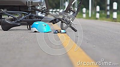 Rattfylleriolycka, bilkrasch med cykeln