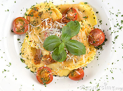 Ravioli with cheese and cherry tomatoes
