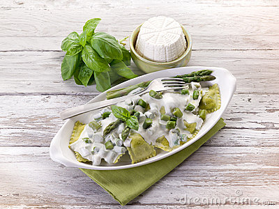 Ravioli  with ricotta and basil