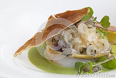 Ravioli, stuffed with mushrooms and cheese