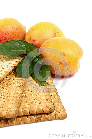 Raw apricot and tasty cake