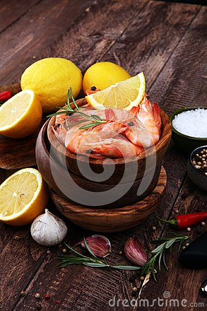 Free Raw Fresh Prawns Langostino Austral. Shrimp Seafood With Lemon A Royalty Free Stock Photos - 111659048