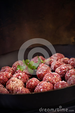 Free Raw Meat Balls Stock Images - 28991594