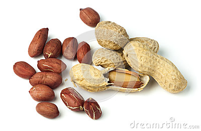 Raw peanuts in shells and shelled peanuts