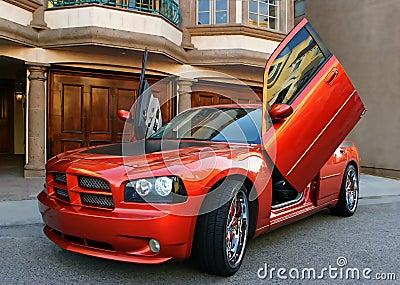 Röd amerikansportbil