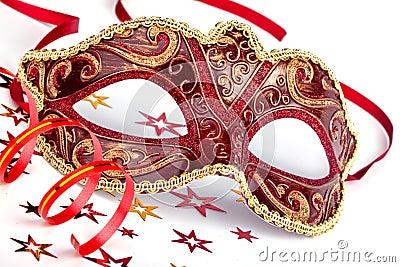 Röd karnevalmaskering med konfettier och banderollen