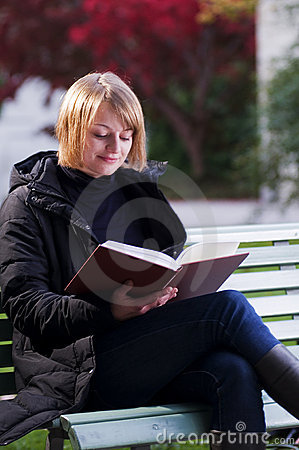 Free Reading Girl Stock Image - 6664291