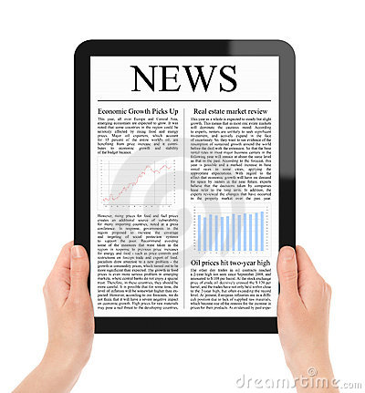Free Reading News On Tablet PC Royalty Free Stock Photos - 19744088