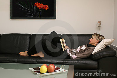 Reading woman #4