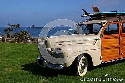 Reagan surfera uss wóz woody