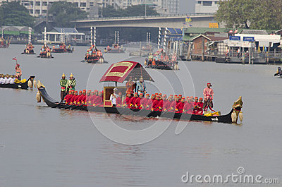 Reais tailandeses barge dentro Banguecoque Foto de Stock Editorial