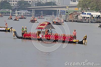 Reales tailandeses barge adentro Bangkok Foto de archivo editorial