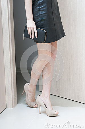 Free Rear View Of Female Long Legs  Shod In Beige  Shoes. Royalty Free Stock Image - 43046616